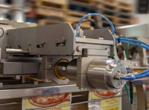 ULTRASONIC TOP SEALER TO GUARANTEE POUCH HERMICITY